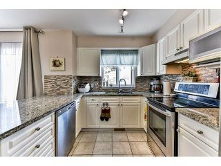 "Photo 12: 162 15501 89A Avenue in Surrey: Fleetwood Tynehead Townhouse for sale in ""AVONDALE"" : MLS®# R2058419"