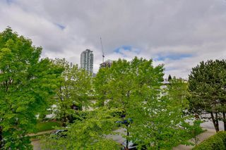 Photo 15: 302 6688 BURLINGTON Avenue in Burnaby: Metrotown Condo for sale (Burnaby South)  : MLS®# R2065580