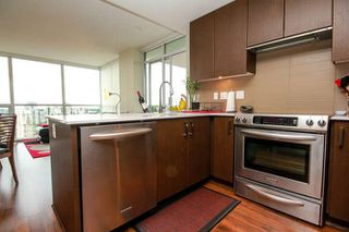 Photo 10: 1906 125 COLUMBIA Street in New Westminster: Downtown NW Condo for sale : MLS®# R2088997