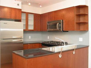 "Photo 3: 1006 822 SEYMOUR Street in Vancouver: Downtown VW Condo for sale in ""L'ARIA"" (Vancouver West)  : MLS®# R2099186"