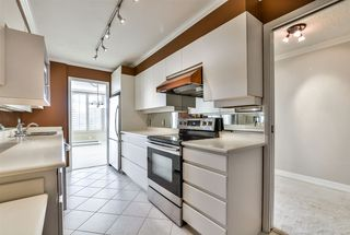 "Photo 6: 802 1480 DUCHESS Avenue in West Vancouver: Ambleside Condo for sale in ""Westerlies"" : MLS®# R2140137"
