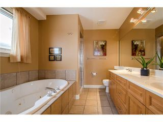 Photo 15: 243 STRATHRIDGE Place SW in Calgary: Strathcona Park House for sale : MLS®# C4101454