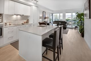 """Photo 11: 202 2468 BAYSWATER Street in Vancouver: Kitsilano Condo for sale in """"Bayswater"""" (Vancouver West)  : MLS®# R2161858"""