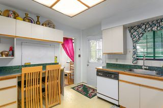 Photo 7: 4568 MCKEE Street in Burnaby: South Slope House for sale (Burnaby South)  : MLS®# R2178420
