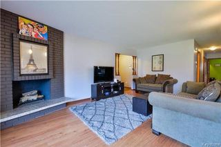 Photo 3: 35 Edgemont Drive in Winnipeg: Southdale Residential for sale (2H)  : MLS®# 1725208