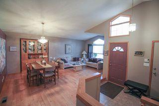 Photo 4: Great 3 bedroom, 1400 sqft, family home in great area of Kildonan Estates!