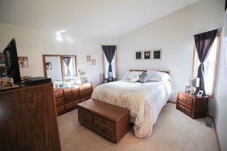 Photo 10: Great 3 bedroom, 1400 sqft, family home in great area of Kildonan Estates!