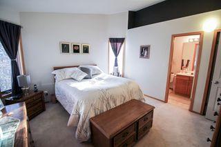 Photo 11: Great 3 bedroom, 1400 sqft, family home in great area of Kildonan Estates!