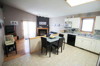 Photo 8: Great 3 bedroom, 1400 sqft, family home in great area of Kildonan Estates!