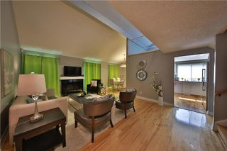 Photo 3: 12 Oakvale PL SW in Calgary: Oakridge House for sale : MLS®# C4125532