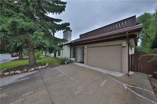 Photo 1: 12 Oakvale PL SW in Calgary: Oakridge House for sale : MLS®# C4125532