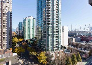"Photo 1: 1201 909 MAINLAND Street in Vancouver: Yaletown Condo for sale in ""YALETOWN PARK II"" (Vancouver West)  : MLS®# R2218452"
