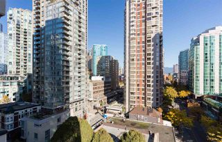 "Photo 11: 1201 909 MAINLAND Street in Vancouver: Yaletown Condo for sale in ""YALETOWN PARK II"" (Vancouver West)  : MLS®# R2218452"
