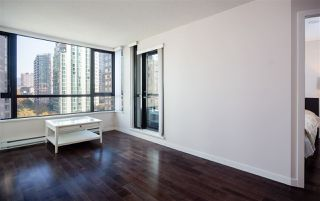 """Photo 2: 1201 909 MAINLAND Street in Vancouver: Yaletown Condo for sale in """"YALETOWN PARK II"""" (Vancouver West)  : MLS®# R2218452"""