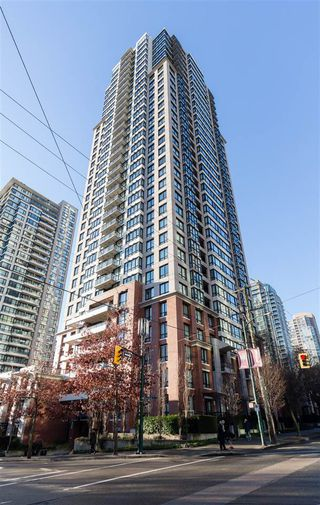 """Photo 13: 1201 909 MAINLAND Street in Vancouver: Yaletown Condo for sale in """"YALETOWN PARK II"""" (Vancouver West)  : MLS®# R2218452"""