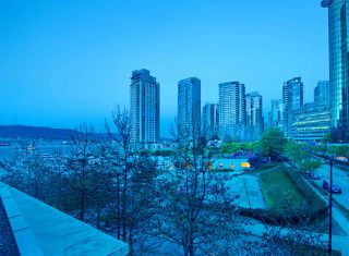 "Photo 6: 404 499 BROUGHTON Street in Vancouver: Coal Harbour Condo for sale in ""The Denia Waterfront Place"" (Vancouver West)  : MLS®# R2260501"
