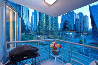 "Photo 8: 404 499 BROUGHTON Street in Vancouver: Coal Harbour Condo for sale in ""The Denia Waterfront Place"" (Vancouver West)  : MLS®# R2260501"
