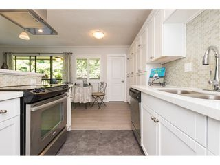 "Photo 5: 301 1355 FIR Street: White Rock Condo for sale in ""The Pauline"" (South Surrey White Rock)  : MLS®# R2262403"