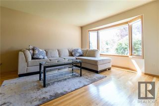 Photo 3: 4 Rockford Place in Winnipeg: Whyte Ridge Residential for sale (1P)  : MLS®# 1824279