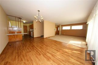 Photo 2: 35 Baffin Crescent in Winnipeg: Silver Heights Residential for sale (5F)  : MLS®# 1828186