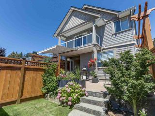 Main Photo: 267 E 10TH Street in North Vancouver: Central Lonsdale House 1/2 Duplex for sale : MLS®# R2318847