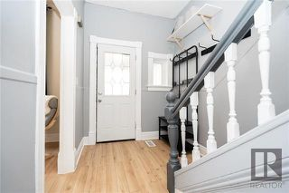 Photo 3: 709 Victor Street in Winnipeg: West End Residential for sale (5A)  : MLS®# 1829763