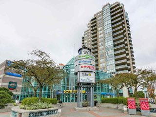 "Photo 1: 1203 612 SIXTH Street in New Westminster: Uptown NW Condo for sale in ""THE WOODWARD"" : MLS®# R2329051"