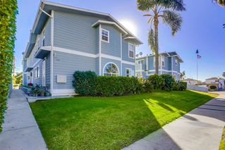 Photo 1: PACIFIC BEACH Condo for sale : 3 bedrooms : 1009 Tourmaline St #4 in San Diego