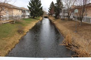 Photo 27: 1240 105 Street in Edmonton: Zone 16 Townhouse for sale : MLS®# E4143025