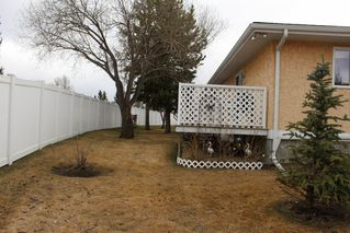 Photo 23: 1240 105 Street in Edmonton: Zone 16 Townhouse for sale : MLS®# E4143025