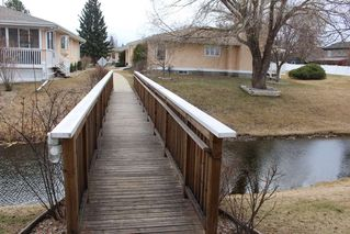 Photo 26: 1240 105 Street in Edmonton: Zone 16 Townhouse for sale : MLS®# E4143025