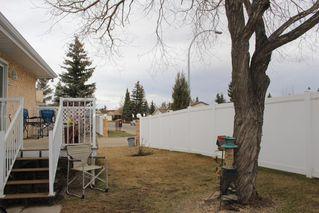Photo 13: 1240 105 Street in Edmonton: Zone 16 Townhouse for sale : MLS®# E4143025