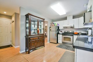 Photo 10: 25 16155 82 Avenue in Surrey: Fleetwood Tynehead Townhouse for sale : MLS®# R2345451