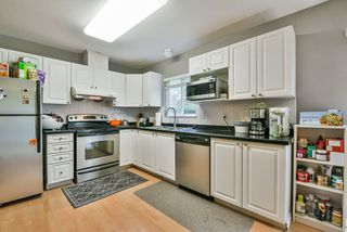 Photo 9: 25 16155 82 Avenue in Surrey: Fleetwood Tynehead Townhouse for sale : MLS®# R2345451