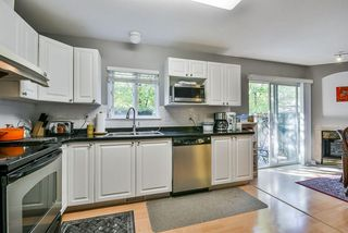 Photo 8: 25 16155 82 Avenue in Surrey: Fleetwood Tynehead Townhouse for sale : MLS®# R2345451