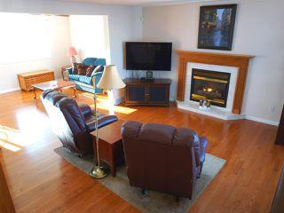 Photo 5: 5327 156 Avenue in Edmonton: Zone 03 House for sale : MLS®# E4146088