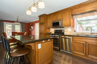 "Photo 5: 4048 207 Street in Langley: Brookswood Langley House for sale in ""Brookswood"" : MLS®# R2349070"