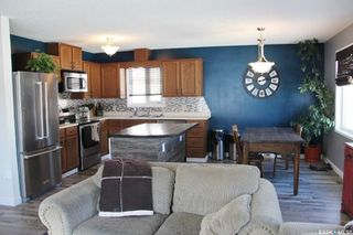 Photo 2: 215 2nd Avenue South in Melfort: Residential for sale : MLS®# SK762739