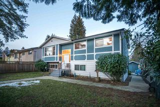 Photo 2: 3920 COAST MERIDIAN Road in Port Coquitlam: Oxford Heights House for sale : MLS®# R2349523