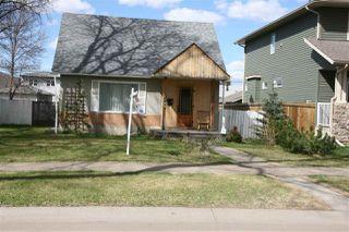Photo 2: 9530 75 Avenue in Edmonton: Zone 17 House for sale : MLS®# E4155234