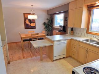 Photo 2: 133 Wordsworth Way in Winnipeg: House for sale : MLS®# 1806575