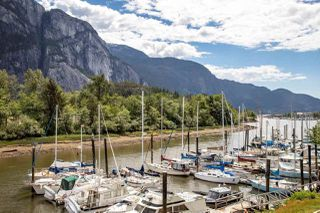 "Photo 17: 206 1468 PEMBERTON Avenue in Squamish: Downtown SQ Condo for sale in ""MARINA ESTATES"" : MLS®# R2371646"
