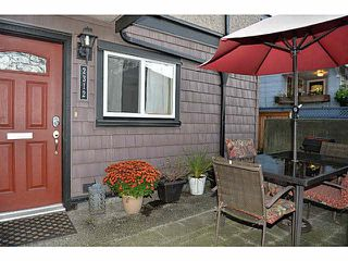 "Photo 4: 2312 VINE Street in Vancouver: Kitsilano Townhouse for sale in ""7TH & VINE"" (Vancouver West)  : MLS®# R2377630"