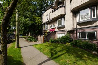 "Photo 2: 2312 VINE Street in Vancouver: Kitsilano Townhouse for sale in ""7TH & VINE"" (Vancouver West)  : MLS®# R2377630"