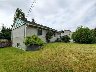 Photo 2: 2951 Cedar Hill Rd in VICTORIA: Vi Oaklands Single Family Detached for sale (Victoria)  : MLS®# 816786