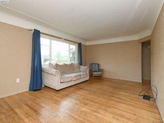 Photo 3: 2951 Cedar Hill Rd in VICTORIA: Vi Oaklands Single Family Detached for sale (Victoria)  : MLS®# 816786