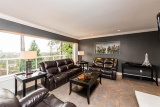Photo 11: 965 RANCH PARK Way in Coquitlam: Ranch Park House for sale : MLS®# R2379872