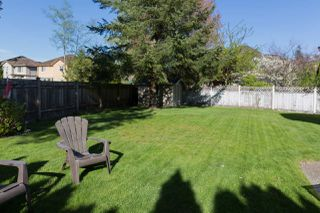 "Photo 18: 16377 MIDDLEGLEN Close in Surrey: Fraser Heights House for sale in ""FRASER GLEN"" (North Surrey)  : MLS®# R2383298"