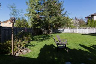 "Photo 17: 16377 MIDDLEGLEN Close in Surrey: Fraser Heights House for sale in ""FRASER GLEN"" (North Surrey)  : MLS®# R2383298"