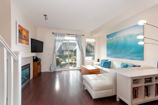 """Photo 3: 31 55 HAWTHORN Drive in Port Moody: Heritage Woods PM Townhouse for sale in """"COBALT SKY"""" : MLS®# R2385227"""